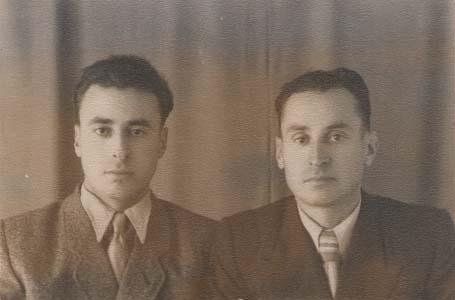 Два брата (справа налево): Гриша и Илья.