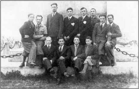 Супрацоўнікі друкарні братоў Магатаў у Браславе.