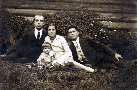 Залман Прузнер и семья Дрибинских.