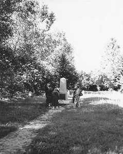 Памятник жертвам Глубокского гетто.