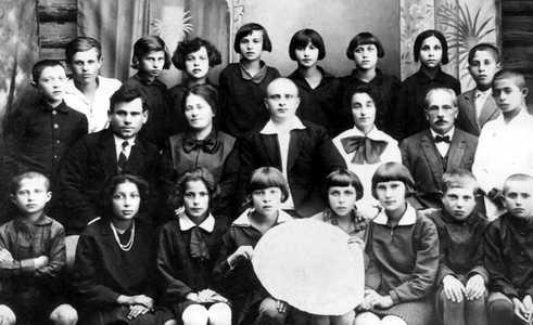Еврейская школа в Глубоком.