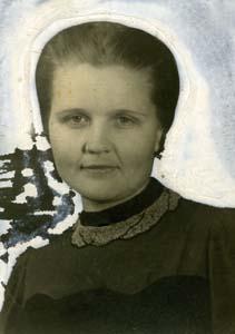 Люба Долгопольская (Юдова).<br />Фото 1920-х гг.