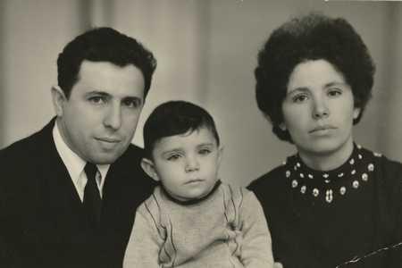 Михаил Фурман с семьей.