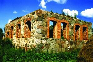 Luzhki. The remains of the synagogue.