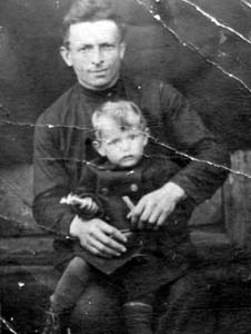 Iosif Kagan with his son.