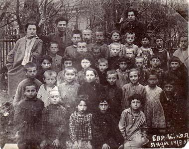 Еврейская школав Лядах.