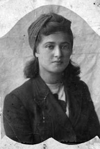 Raisa Ryzhik. 1945.