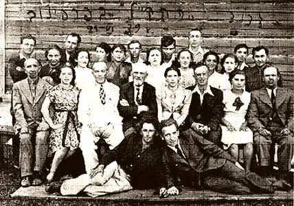 Group of Jews in Parafianovo (July 1<sup>st</sup> 1939).