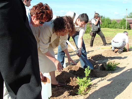 Открытие памятника в Парафьяново.