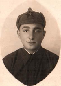 Старосельский Яков Израильевич довоенная фото во время службы на границе.
