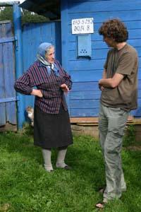 Alexander Avramenko talking to Smoliany residents.