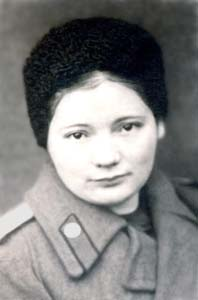 Yevgeniya during the war in the uniform.