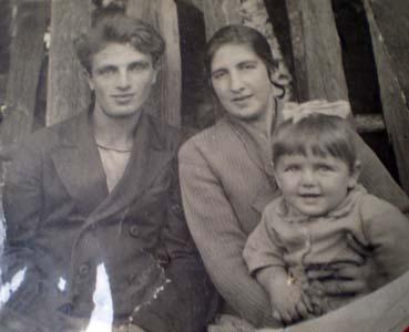 Рохка, одна из дочерей и Борис Эфрос. 29 октября 1936 г.