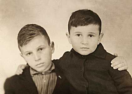 Александр и Миша Блинеры.