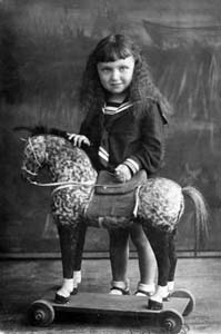 Инесса Аронсон. Фото 1940 г.