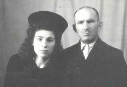 Янкель и дочь Лиза.