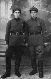 Grigory Liozniansky (on the left).