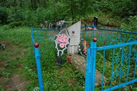 Памятник на месте расстрела евреев Вороничей.