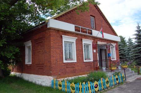 В этом здании была корчма - теперь Воронический сельсовет.