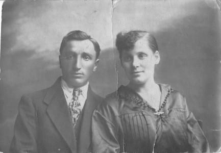 Арон Нирман с женой.