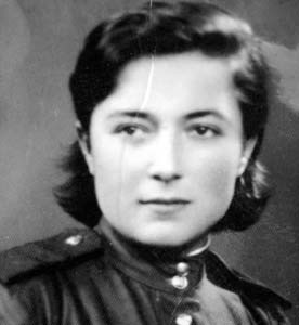 Фаня Кривая (Каратаева).
