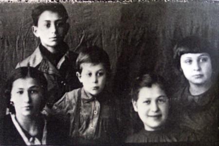 Братья и сестры Барановы.