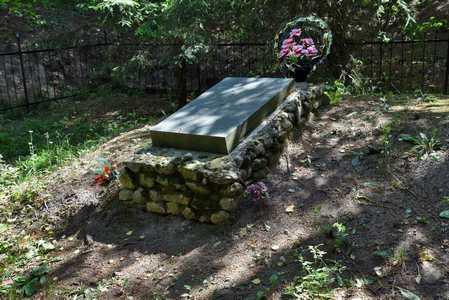Могила уничтоженых в августе 1941 г. евреев Логойска.