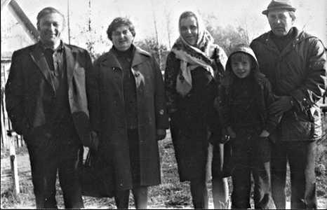 Сын Шолам з жонкай і дачка Валянціна з мужам.