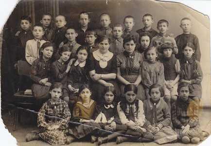 дети еврейской школы г. Вилейка.