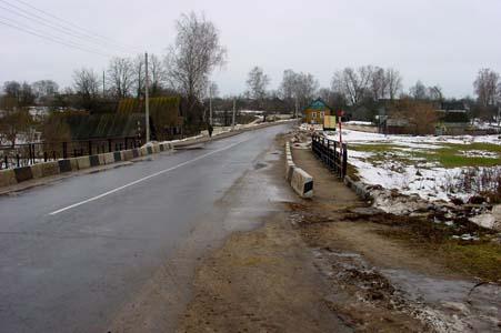 Въезд в Дашковку со стороны Могилева.