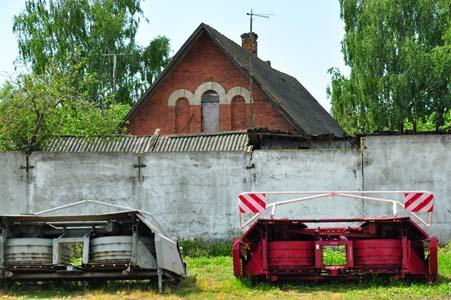 Из этих окон мансады своего дома Анна Шнурова видела, как расстреливали евреев.