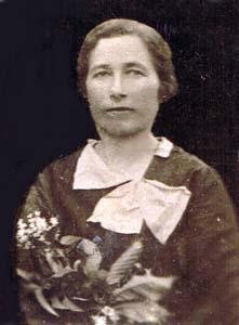 Единственная сохранившаяся фотография мамы.