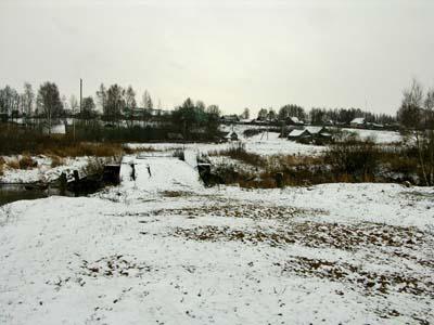 Вид на деревню Молятичи. По этой дороге молятичские евреи шли на расстрел.