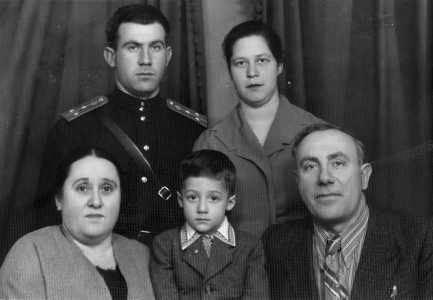 Alexander Grechanikov with his family.