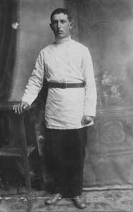 Lev's father, Genukh Girshevich Manevich.