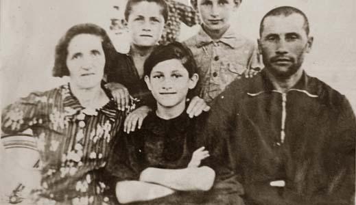 Семья Якова и Фени Каган, погибших во время массовой казни евреев 3 марта 1942 г.